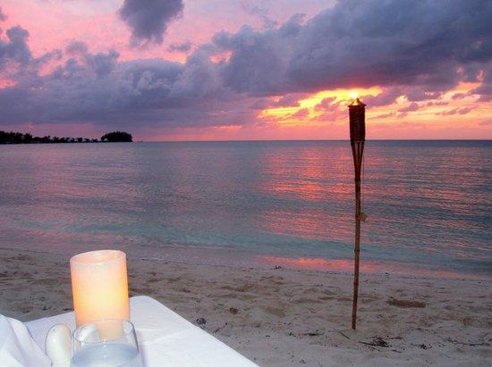 Breezes: Evening Sand Dining