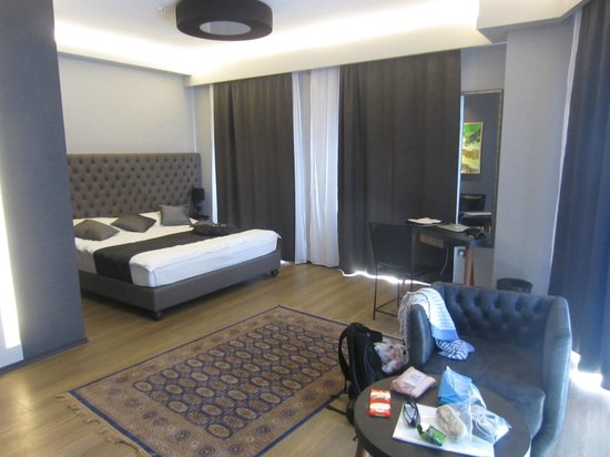 Solun Hotel & SPA: huge space, maybe to be handicap accessible?