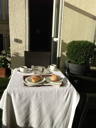 Hotel Residence Foch: THE TERRACE