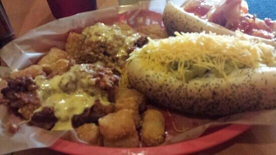 Dirty Frank's Hot Dog Palace : Yum