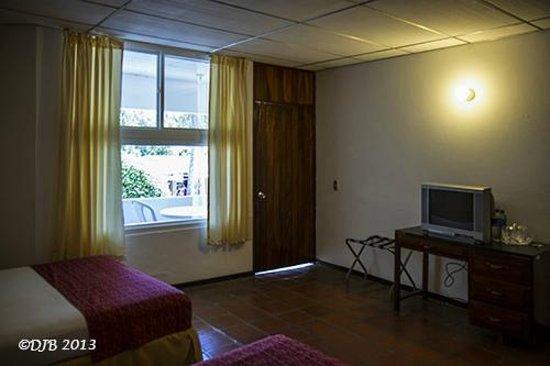 La Herradura, Le Salvador: Bedroom showing door to balcony
