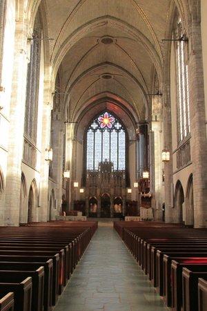 Rockefeller Memorial Chapel: Interior