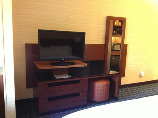 Fairfield Inn & Suites Knoxville West: TV view from bed