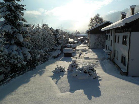 Ferienwohnanlage Oberaudorf : Sunshine at day-break in December