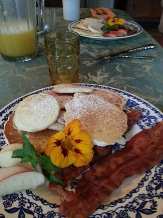 Hanna House Bed and Breakfast: Breakfast