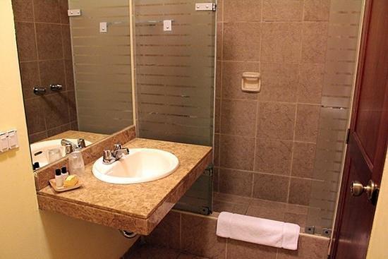 Hotel San Antonio Abad : Bathroom.