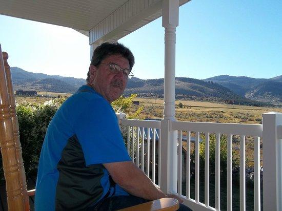 Abigail's Bed and Breakfast: The private veranda