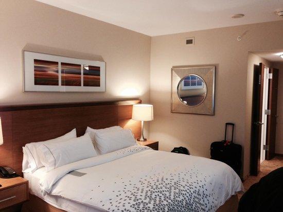 Renaissance Schaumburg Convention Center Hotel : Excellent bed