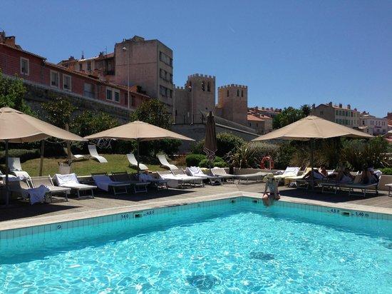 Belle Piscine  Photo De Radisson Blu Hotel Marseille Vieux Port