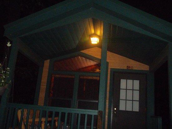 Gettysburg / Battlefield KOA : Front of cabin