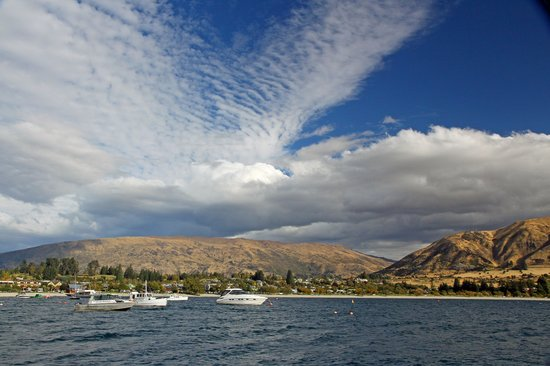 Edgewater: Wanaka - waterfront and town center