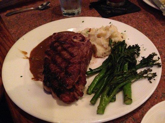 Chop's Steak & Seafood: NY Strip