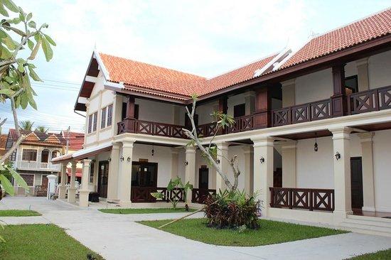 hotel reception picture of luang prabang legend hotel luang prabang tripadvisor. Black Bedroom Furniture Sets. Home Design Ideas