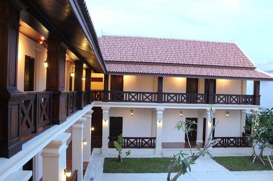 Villa Lakhangthong Hotel