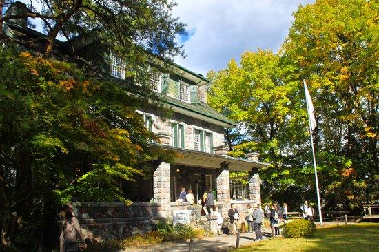 Meiji no Yakata: 建物