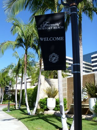 The Duke Hotel Newport Beach: Front of hotel with banner.