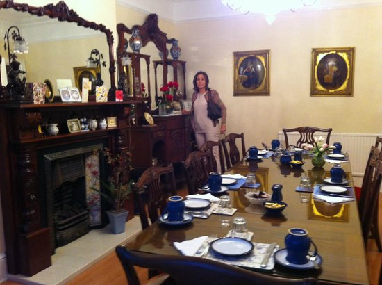 Ardmore House: Dining Room with Rosa