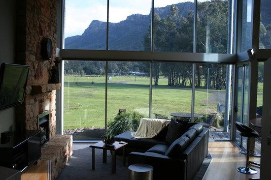 Aspect Villas: Inside Ironstone Villa