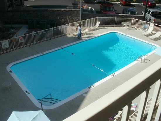Comfort Inn Downtown: the pool