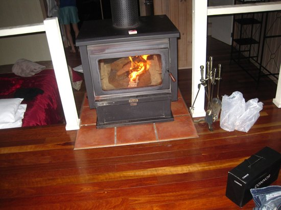 Treetops Montville: Fire place