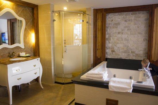 Bamboo House Resort : Room 306