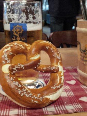 Hotel Laimer Hof: Beer and pretzels