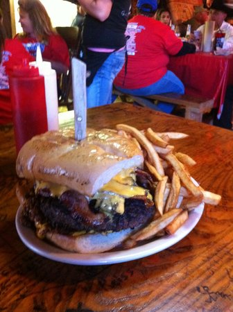 Loco Coyote Grill: Check out this burger!