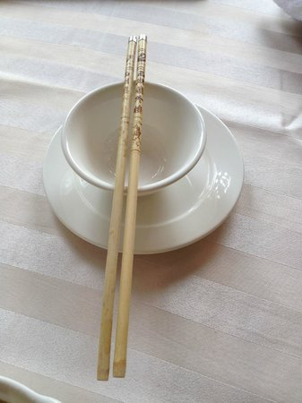 Lou WaiLou (GuShan Road): The Beautiful Tableware, I especially like the chopsticks