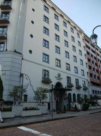 Hotel Monterey Nagasaki: ホテル外観。