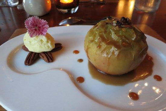 Suzanne Fine Regional Cuisine: baked apple