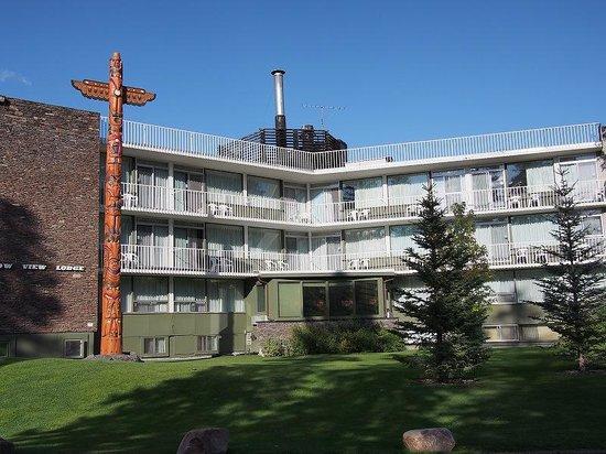 Bow View Lodge: ホテル外観