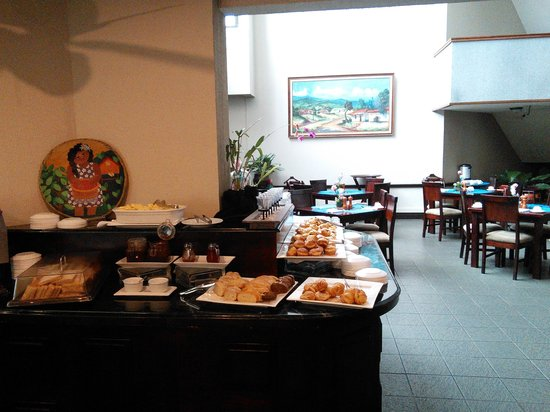Wyndham San Jose Herradura Hotel and Convention Center: Artificial and sweet juices for breakfast