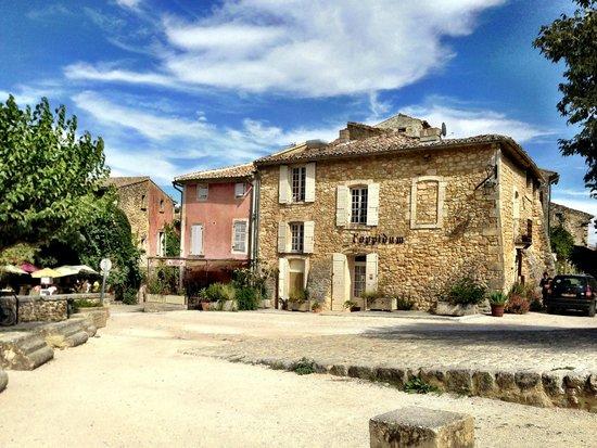 Le Mas des Etoiles : The Inn