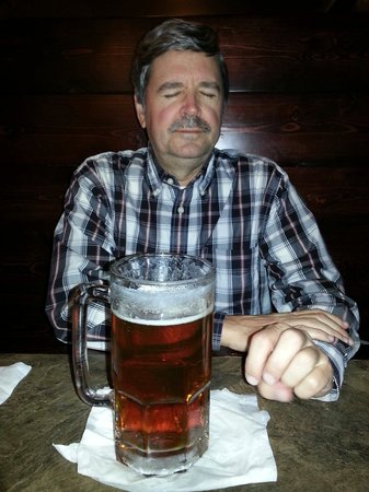 Santeramo's Pizza House & Italian Food : 32oz flat tire beer