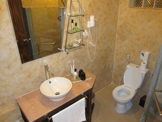 Pavillon d'Orient Boutique-Hotel: Room 11 - bathroom