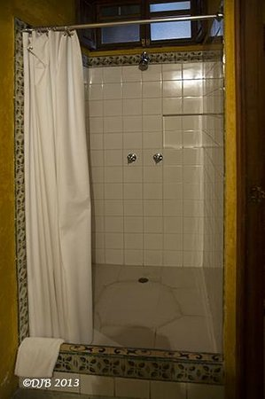 Candelaria Antigua Hotel: View of Shower