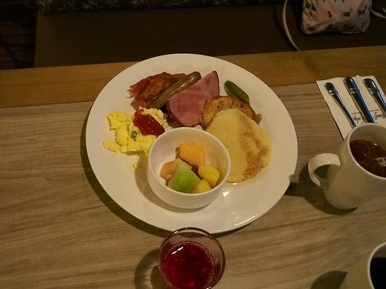 Banff Park Lodge Resort and Conference Centre: 朝食