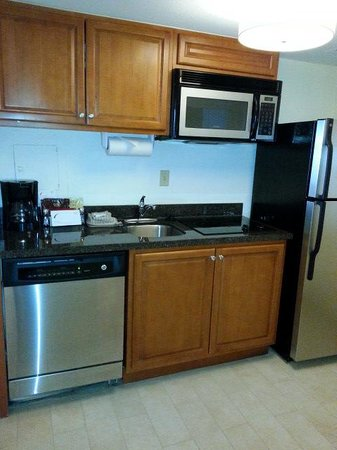 Residence Inn Washington, DC/Foggy Bottom: kitchen
