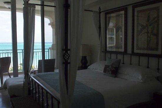 Seven Stars Resort & Spa: Lovely bed