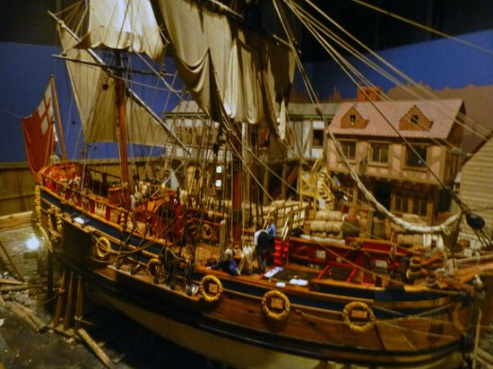 The Manitoba Museum: Cool ship