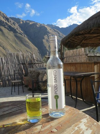 KB Tambo Hostal: Pisco on the rooftop bar; fun place to hang out for a bit