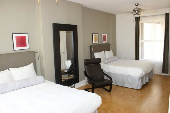 The Herbert Hotel : Our first room on level 6 - very clean