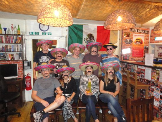 Torquay Backpackers Hostel: Fiesta night, First Mexican to ever stay here was Perla