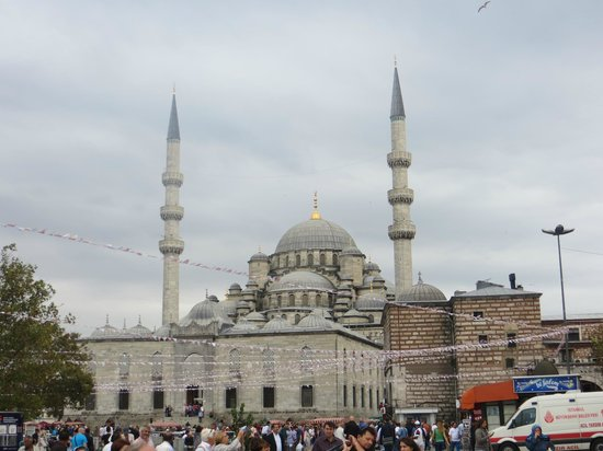 Historic Areas of Istanbul: New Mosque near Spice Bazaar