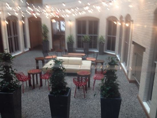 Residence Inn Boston Downtown/Seaport : courtyard