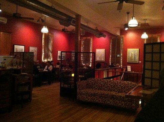 Mr. Helsinki Restaurant & Wine Bar: Cozy, inviting ambiance