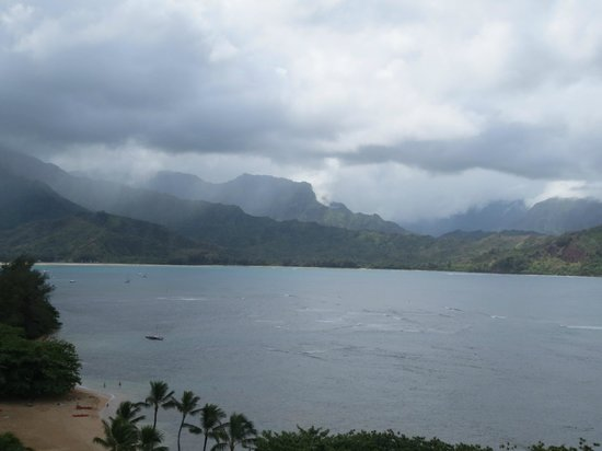 Westin Princeville Ocean Resort Villas : view at the St. Regis beach, which Westing guests can access