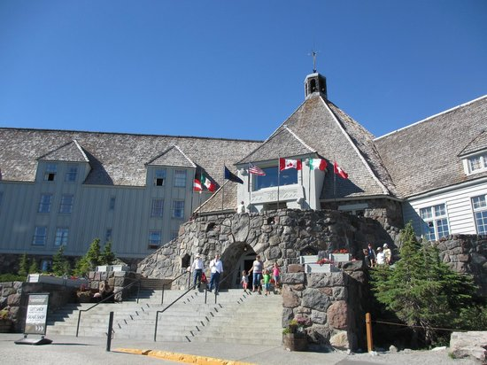 Timberline Lodge: Hote exterior