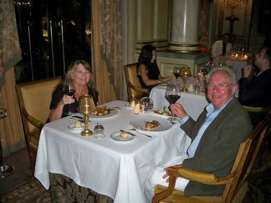 Le George: Great atmosphere for our anniversary dinner