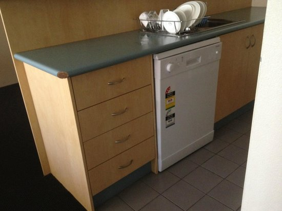 APX Apartments Parramatta: Dishwasher